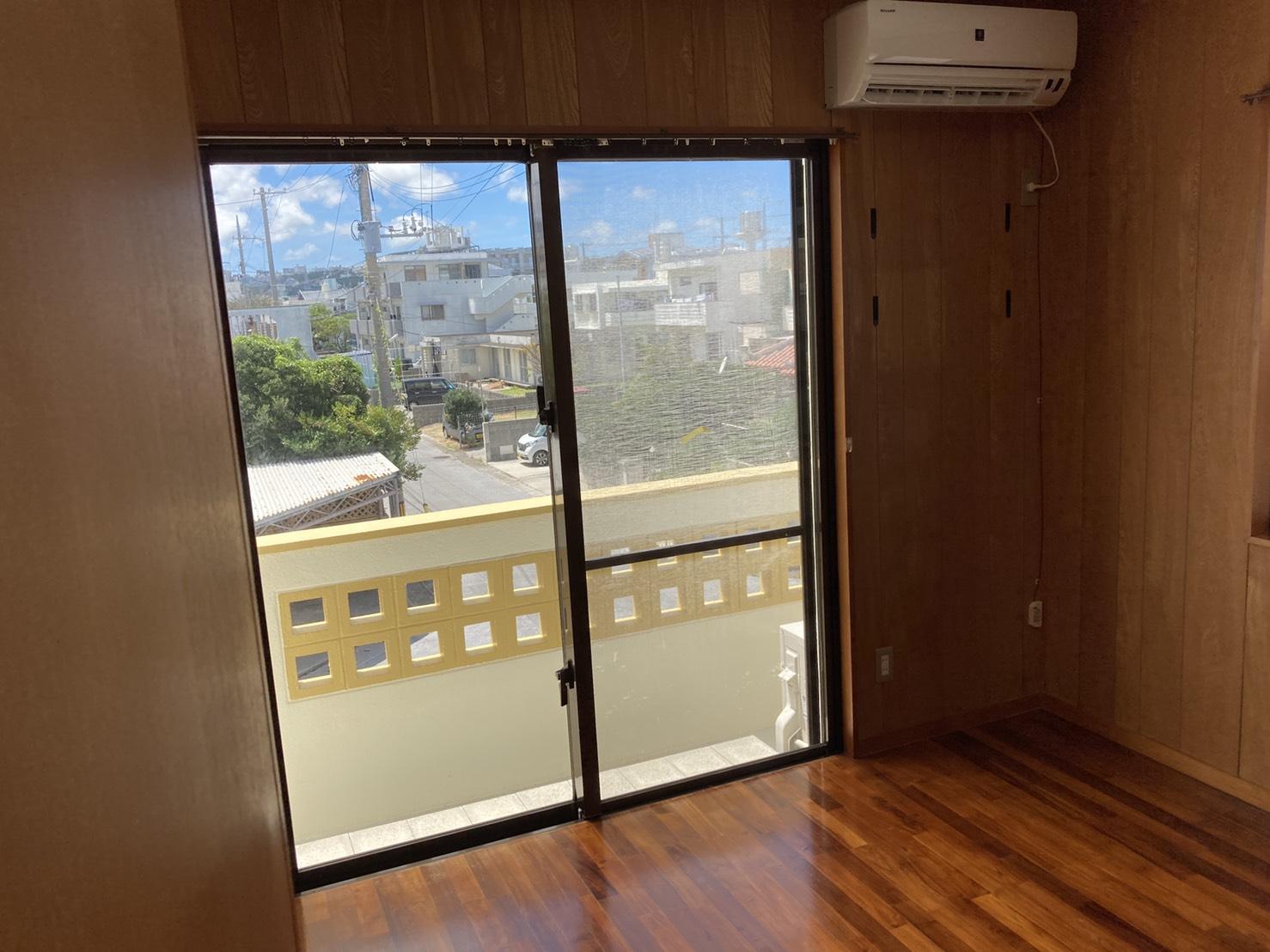"""Glory"" 3-Bedroom House in Okinawa City"